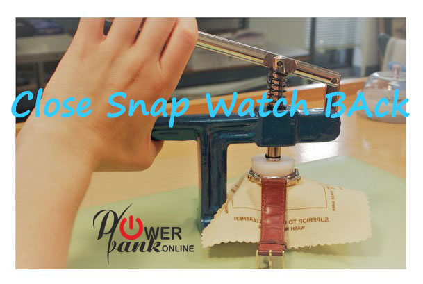 How to Close a Snap watch back